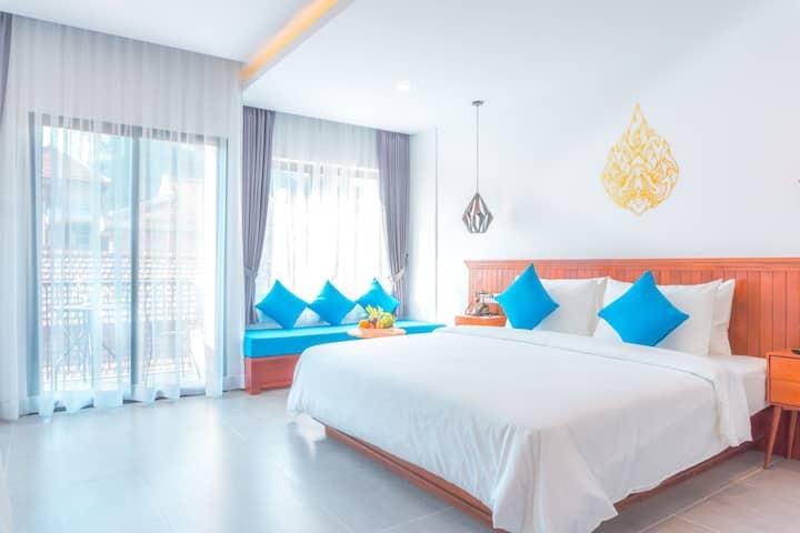 1 King Bed for 2 Adults at Angkor Aurora