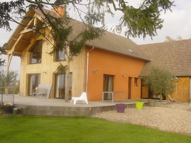 Maison des grandes terres - La Motte-Saint-Jean - Huis