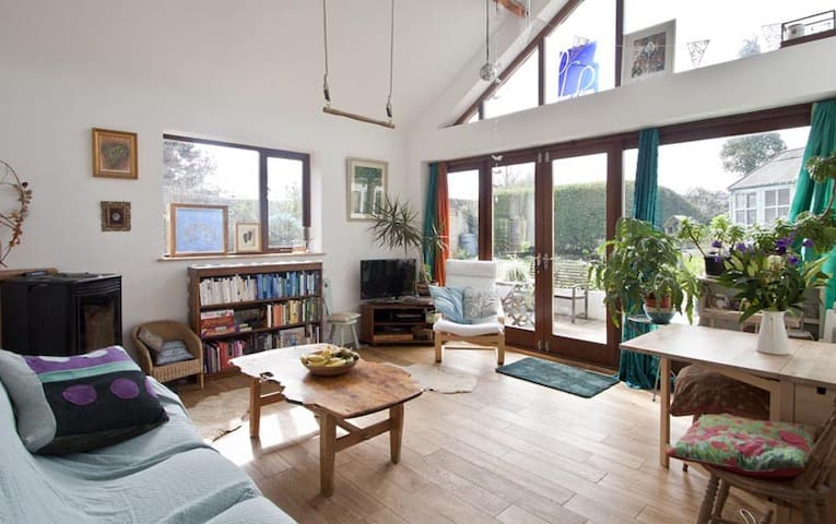 Beautiful room near lovely beach - Swansea - House