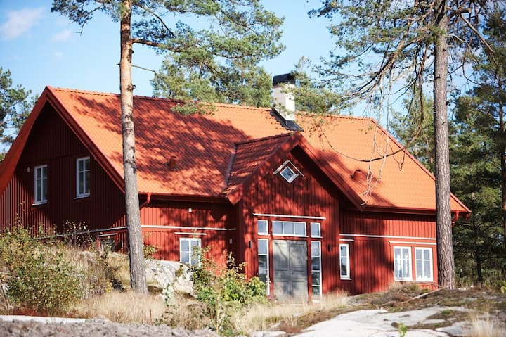 Exclusive villa in the archipelago #1