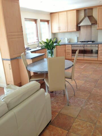 Beautiful 4 bedroom house - Milnathort - Casa