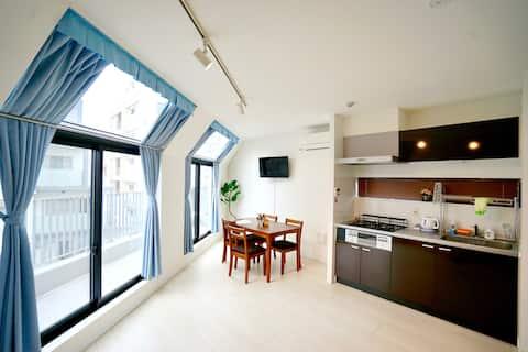 4 minutes to Shinjuku: New Tokyo Apartment 502