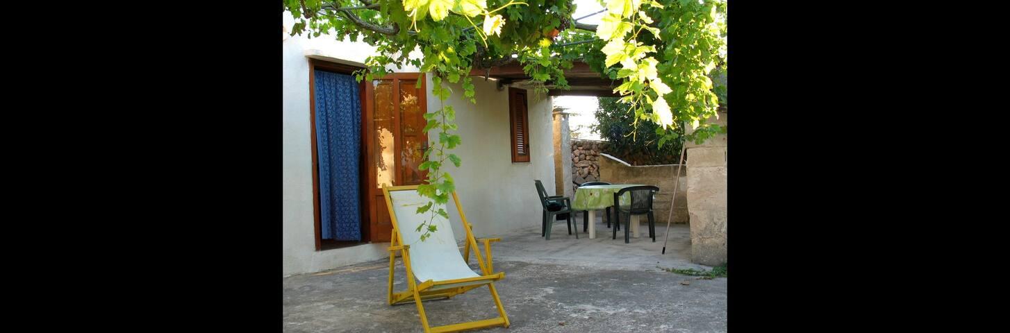 """Residence-Case Vacanza """"la PERGOLA"""""""