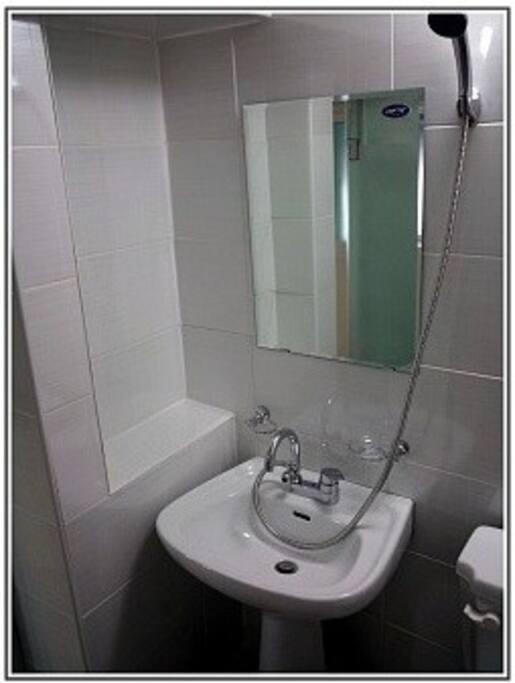 화장실 I Bathroom