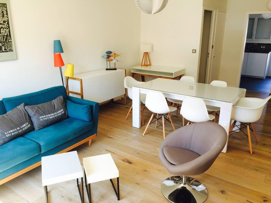 Salon, salle à manger et bureau