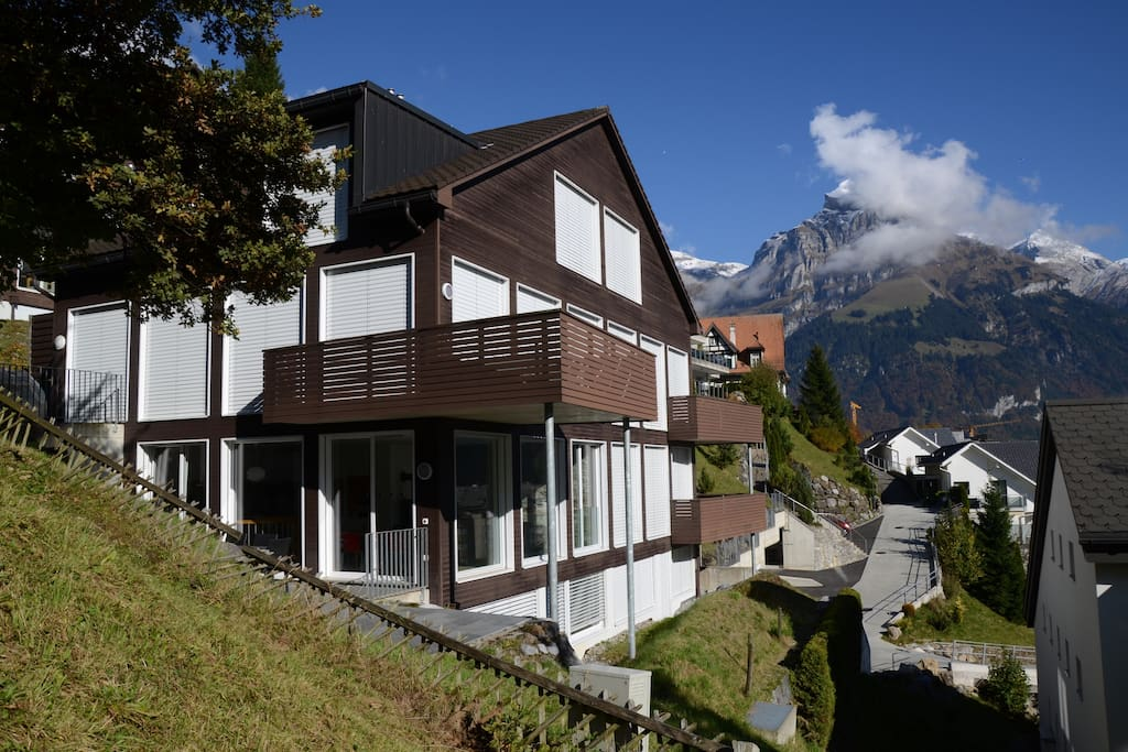 Located on the hillside with nice view - sunny in the afternoon....