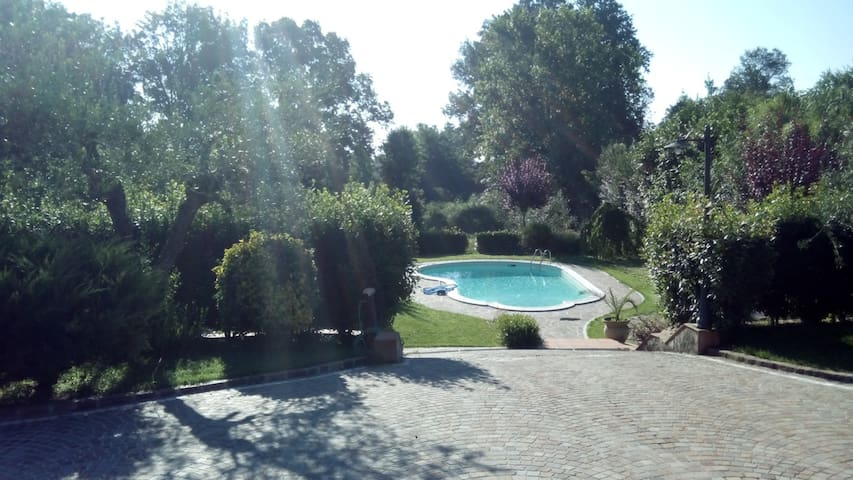 VILLA with POOL for RELAX - Pofi - Villa