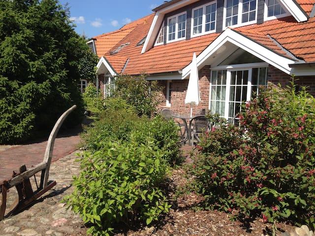 Dat Ole Tetke Hus - Wohnen & Reiten (W4) - Zetel