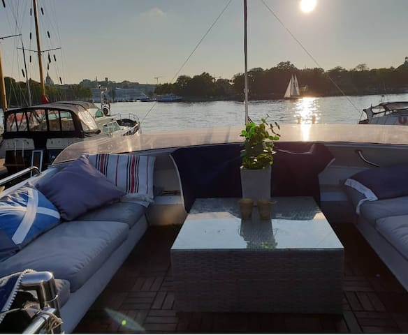 Yacht stay central in Stockholm