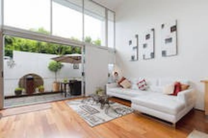 West End Modern Private Rm (Earth) - Highgate Hill - Şehir evi