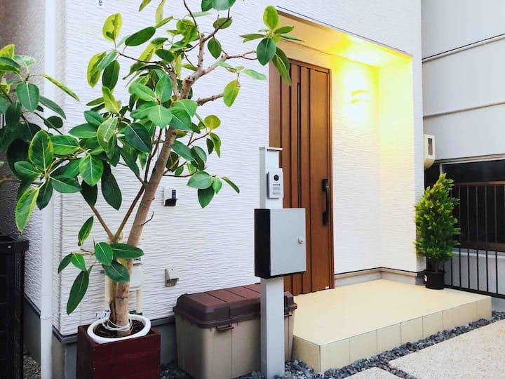 百合Lily/新築3階建/高級/便利/東山線地下鉄出口歩く2~3分/玄関前無料駐車場二台
