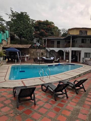 Casa finca espectacular clima cerca a Bogota!