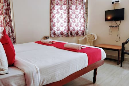 Private Single Bedroom @ 2kms from Goa Airport