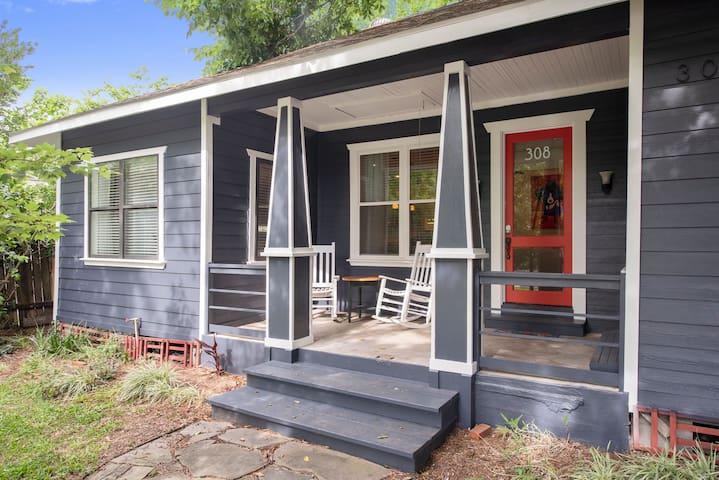 Blue Dog House ❤ OF Houston/ BIG YARD/ we❤Families