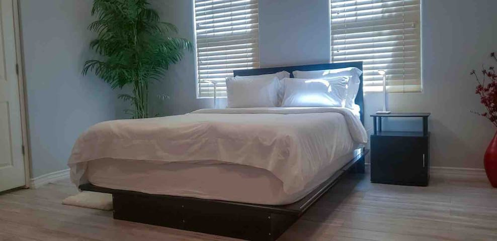 spacious guest room in south Orange County