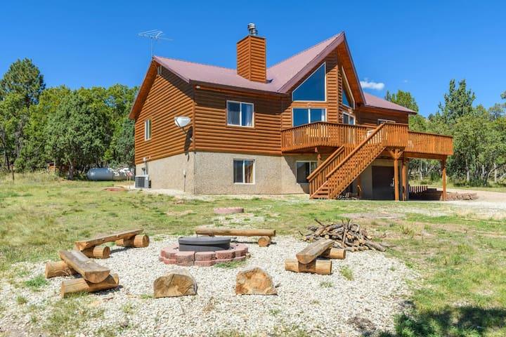 Arched Oak Acres - Sleeps 14 - Alton - Hytte