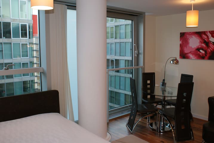 Shortletting by Centro Apartments The Hub - MK - E4