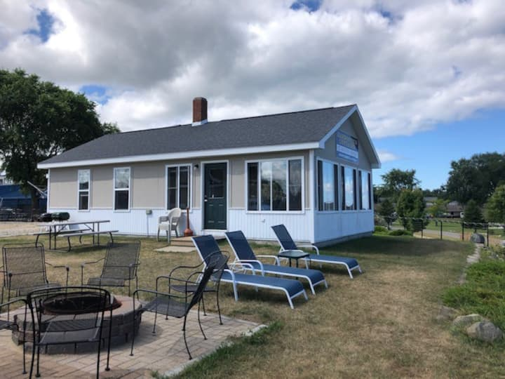 Stay in the heart of Port Austin!  Cottage #3