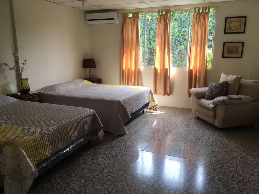 Habitación master 40mt2 una cama Quenn y una matrimonial