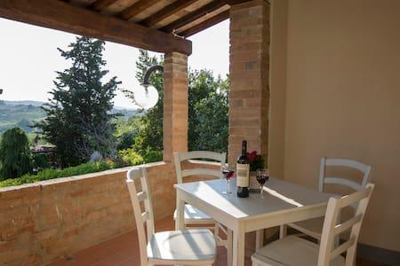 Monte 2° Appartamento Alloro - Gambassi Terme - Huoneisto