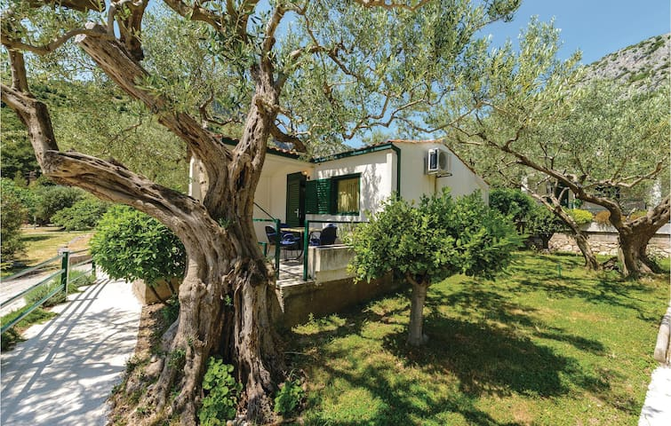 Holiday cottage with 1 bedroom on 40 m² CDR181
