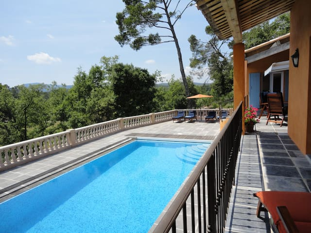 Luxury Villa with Air-Con and Pool in Provence - Brignoles - House