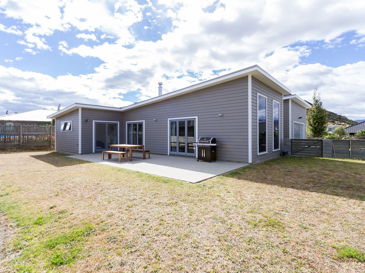 Modern Wanaka - Wanaka Holiday home