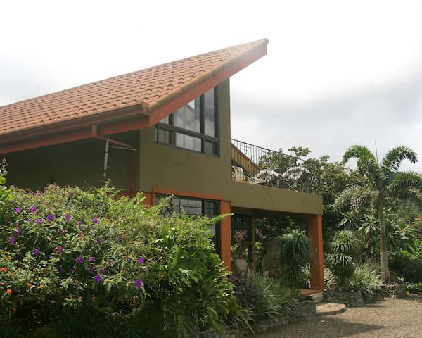 2 Story, Spectacular Views, Central Location, Chef - San Ramón - Bed & Breakfast