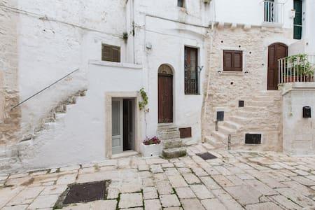 Dimora tipica nel centro storico - Cisternino - Casa