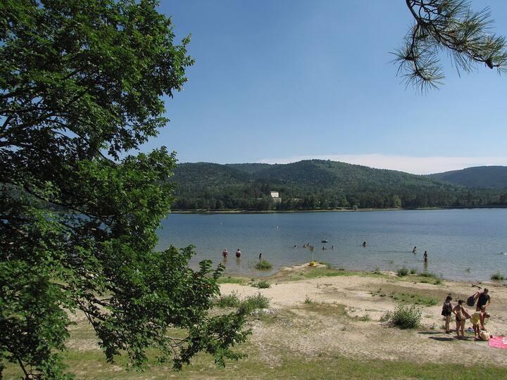 Havre de paix, au bord d'un magnifique lac