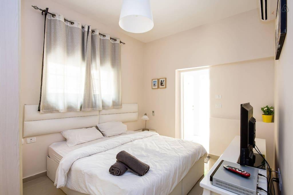 Master Bedroom #1 Bed size : 140X190 cm