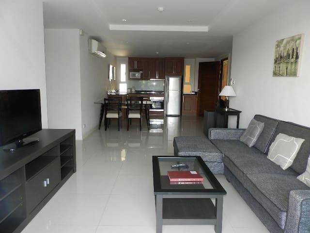 Luxurious apartment on the beach - Pattaya - Departamento