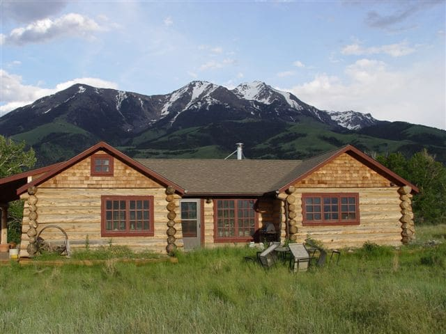 Paradise Valley Cabin w/Hot Tub  - Pray - House