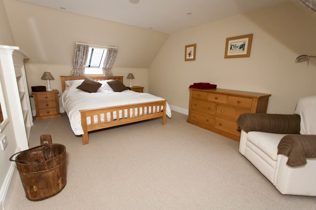 The property has 2 double rooms and a twin (which can also be made into a double)