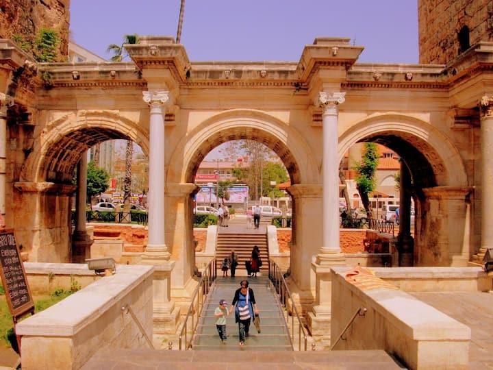 Hadrianus Gate/ Üçkapılar
