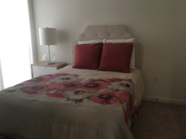 Modern Apartment 1 bed w private bath - Owings Mills - Apartemen