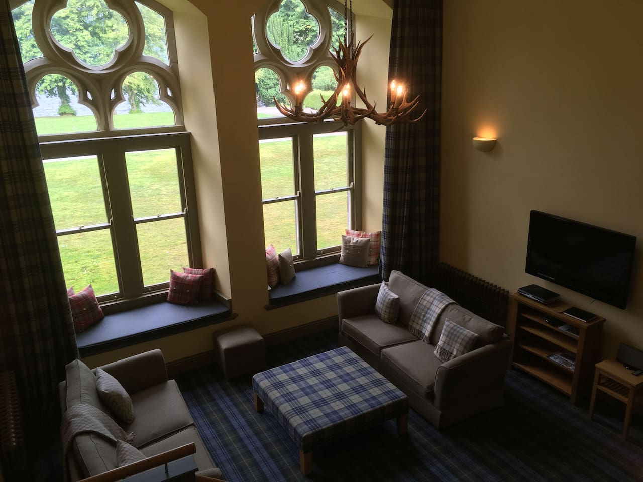 High Ceilings, quality furnishing and a stunning view of Loch Ness