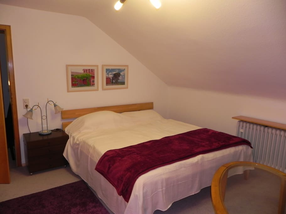 Zimmer mit Doppelbett zur Alleinbenutzung