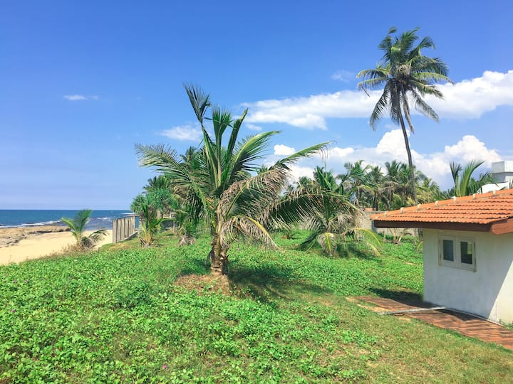 Beach Bungalow Negombo - Large Double Room