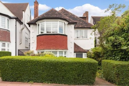 Spacious family home beside Hampstead Heath