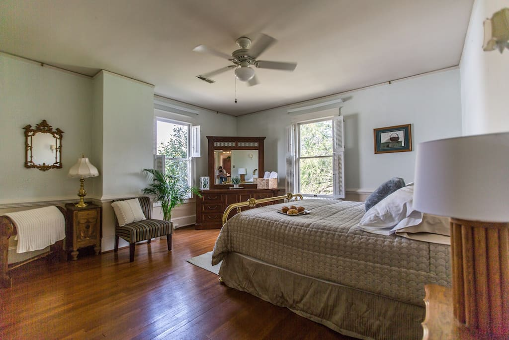 The Spacious King at West Park Gardens features a king-size brass bed, plenty of drawers and closet space and large, bright windows. For larger parties, please add the Master Suite and the Comfortable Queen in downtown Culpeper.