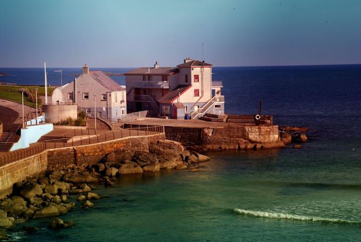 Portneen Fisherman's Cottage - Portrush - Hus