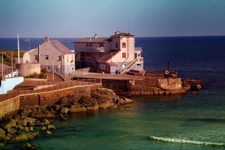 Portneen Fisherman's Cottage - Portrush