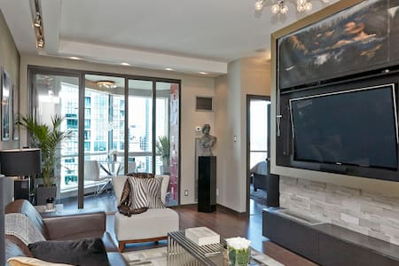 Luxury Harborfront Penthouse Condo - Toronto - Appartement