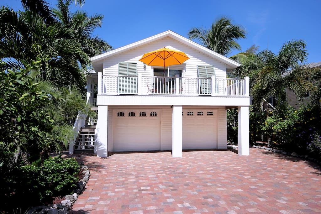 La casa on mango st houses for rent in fort myers beach for Rent a house la