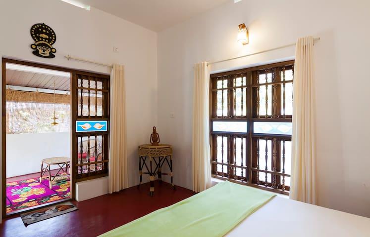 Private Bedroom Non Ac with private Sitting area - Mararikulam - Szoba reggelivel