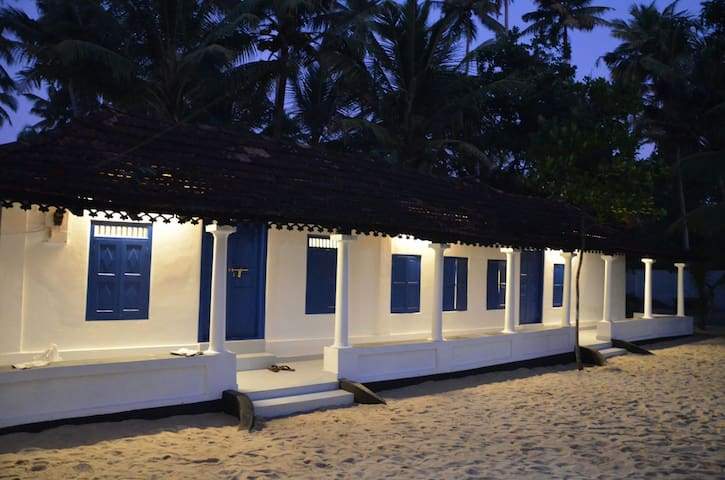 Serene beach house - THE BLUE DOOR - Alappuzha, aleppy, cherthala, kochi