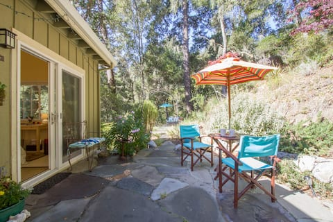 Aptos Forest Retreat with Hot Tub & Breakfast