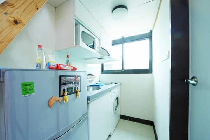 2 unit Apartment 5 min walk to MTC TLI 月租