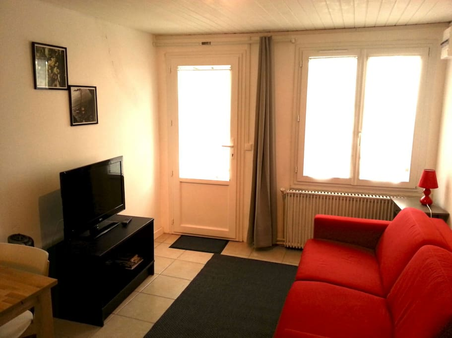 Studio 18m2 proche bordeaux appartements louer saint for Location appartement studio bordeaux